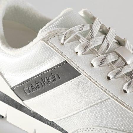 Calvin Klein - Baskets Femme Tea Low Top Lace Up B4E00352 White