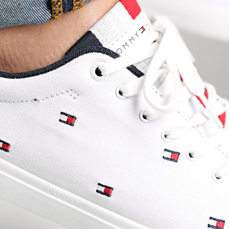 Tommy Hilfiger - Baskets Essential Vulc Seasonal 2750 White