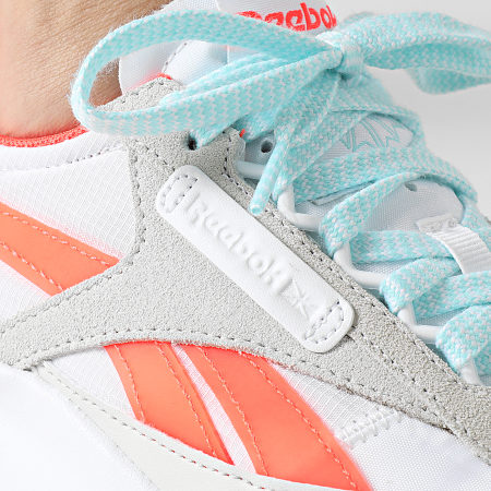 Reebok - Baskets Femme Classic Legacy FY7435 White Orange Flare Digital Glow