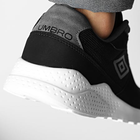Umbro - Baskets Ivloc 779750 Black