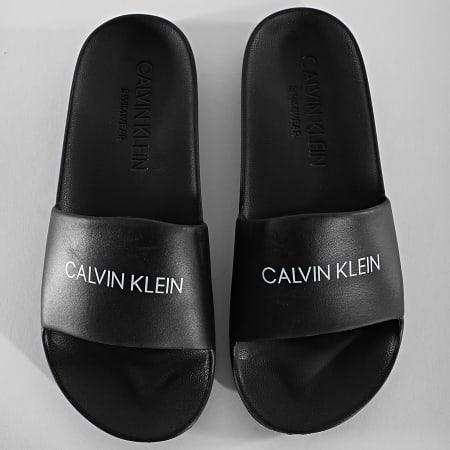 Calvin Klein - Claquettes One Mold 0697 Noir