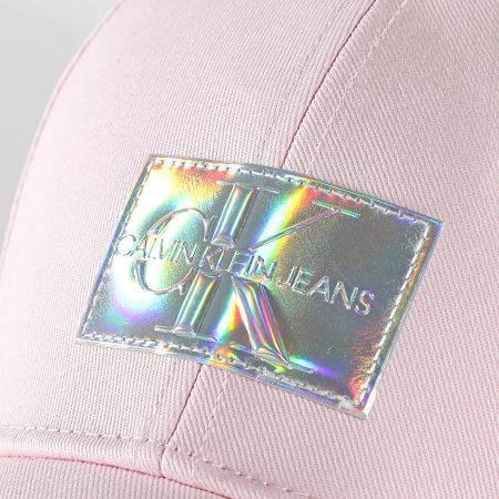 Calvin Klein Jeans - Casquette Femme Iridescent 8155 Rose