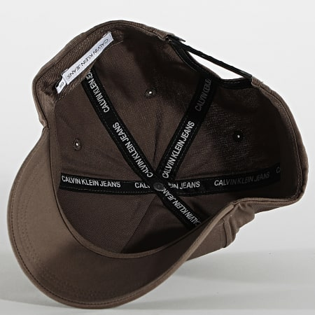 Calvin Klein Jeans - Casquette Patch 6572 Taupe
