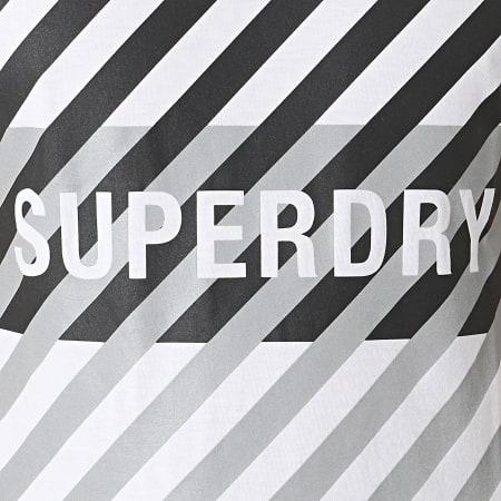 Superdry - Tee Shirt Réfléchissant Training Coresport Graphic MS310184A Blanc