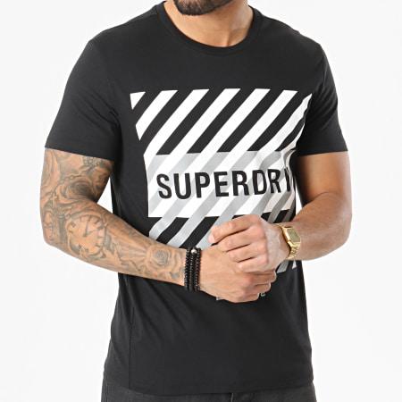 Superdry - Tee Shirt Réfléchissant Training Coresport Graphic MS310184A Noir
