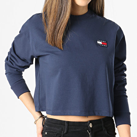 Tommy Jeans - Tee Shirt Manches Longues Femme Crop Tommy Badge 9104 Bleu Marine