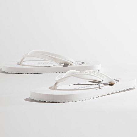Calvin Klein Jeans - Tongs Femme Beach Sandal Monogram 0098 Bright White
