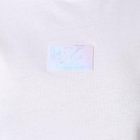 Calvin Klein Jeans - Tee Shirt Femme Shine Badge 6184 Blanc Iridescent
