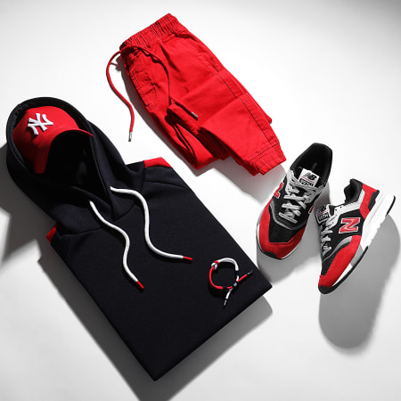 New Balance - Baskets Classics 997 CM997HVP Black Red