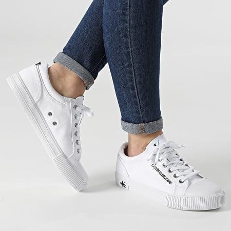 Calvin Klein Jeans - Baskets Femme Vulcanized Sneaker Lace Up 0042 Bright White