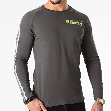 Superdry - Tee Shirt Manches Longues A Bandes Cali Raglan M6010468A Gris Anthracite
