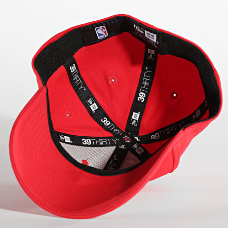 New Era - Casquette Fitted 39Thirty Core NBA 60137561 Chicago Bulls Rouge