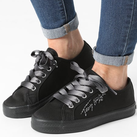 Tommy Hilfiger - Baskets Femme Essential Gradient 5802 Black
