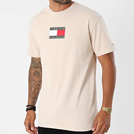 Tommy Jeans - Tee Shirt Camo Flag Script 0950 Beige