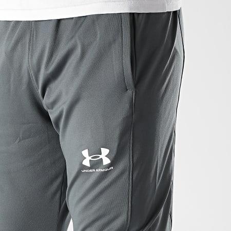 Under Armour - Pantalon Jogging UA Challenger 1365417 Gris