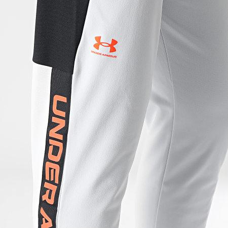 Under Armour - Pantalon Jogging A Bandes UA Tricot Fashion 1366209 Gris Noir