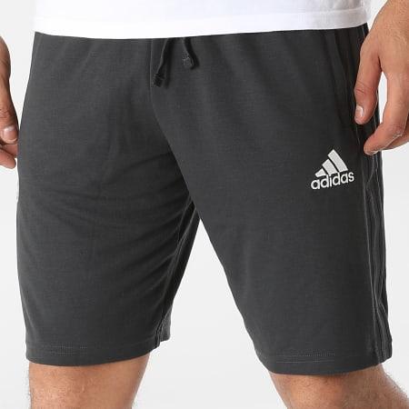adidas - Short Jogging A Bandes Real Madrid GR4264 Gris Anthracite