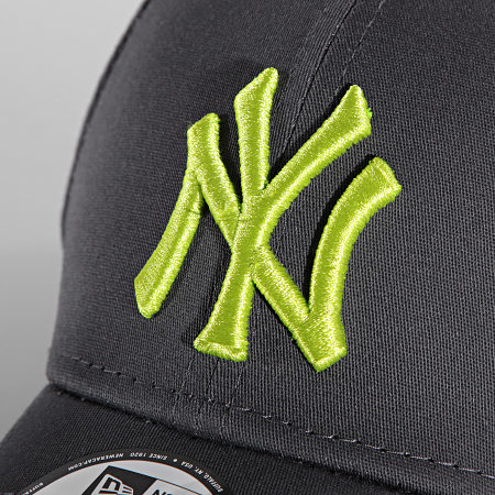 New Era - Casquette Fitted 39Thirty League Essential 60141661 New York Yankees Gris Anthracite
