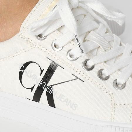 Calvin Klein - Baskets Femme Vulcanized Lace Up 0422 Triple White