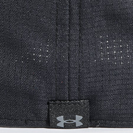 Under Armour - Casquette Fitted Iso-Chill 1361530 Noir