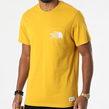 The North Face - Tee Shirt Poche Scrap Berkeley California A55GD Jaune Moutarde